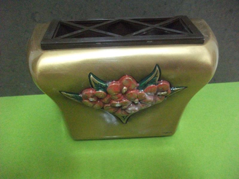 Jardinera de bronce para panteon marmoles goama sl for Jardineras de ceramica