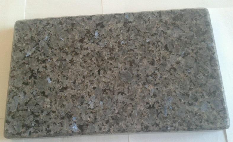 Tabla de corte de cocina de granito labrador claro for Granito colores claros